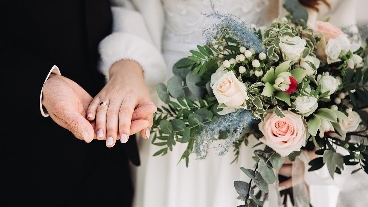 Wszyscy weselnicy musieli opuścić lokal (fot. Shutterstock/ Dmytro Sheremeta)