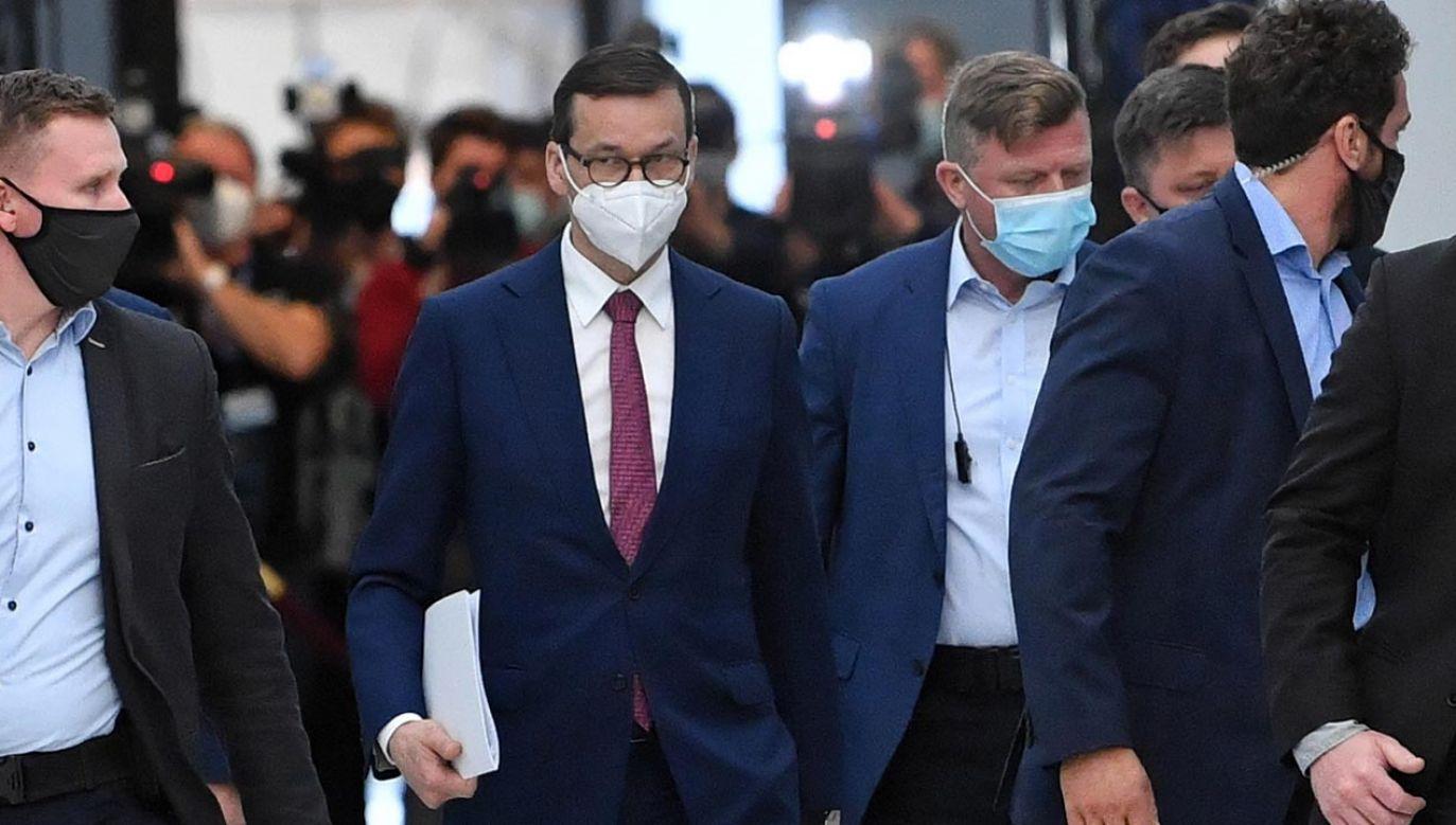 To zawieszenie broni niszczy Platformę (fot. PAP/Radek Pietruszka)
