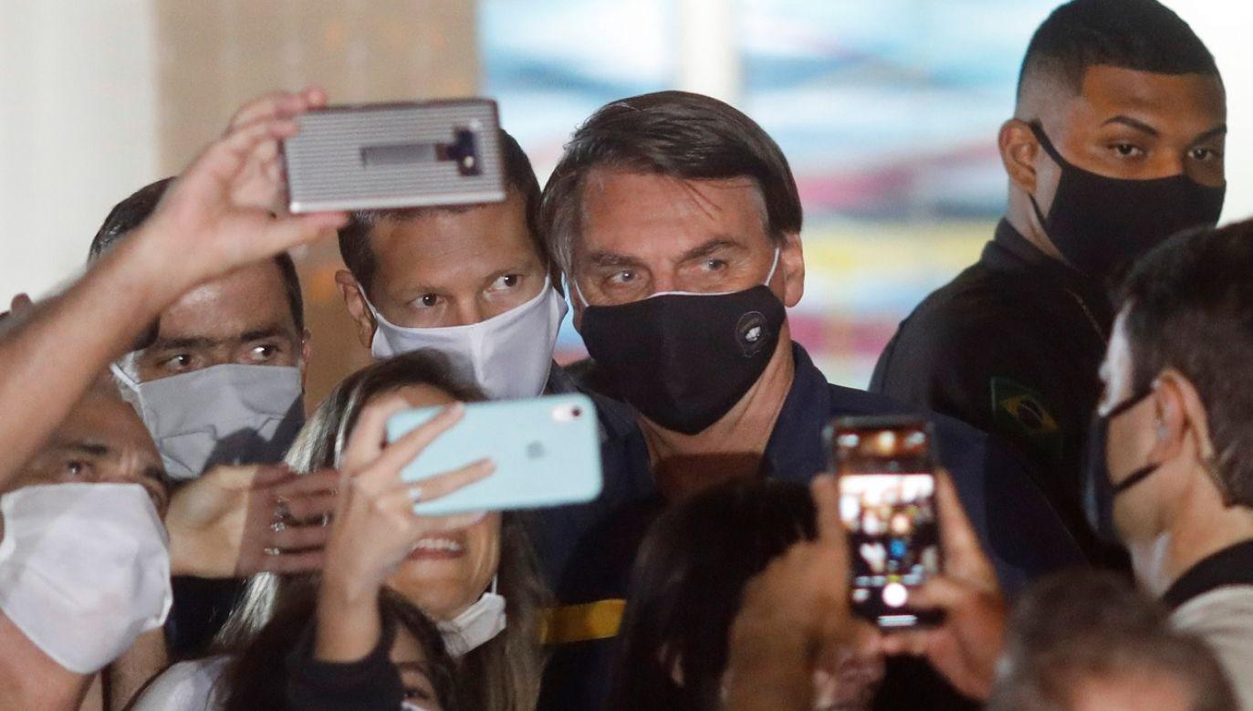 """Prezydent zapowiedział, że """"nie będzie czekał, aż dokopią jego rodzinie""""(fot. Reuters/Adriano Machado)"""