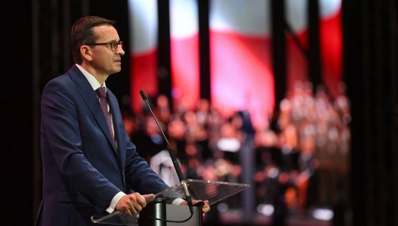 Premier Mateusz Morawiecki bierze udział w uroczystości z okazji otwarcia Parku Pamięci Narodowej
