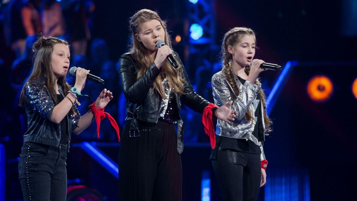 – Walczycie siłą, nie przemocą wokalną! – Baron był pod dużym wrażeniem występu Darii, Julii i Sonii (fot. J.Bogacz/TVP)