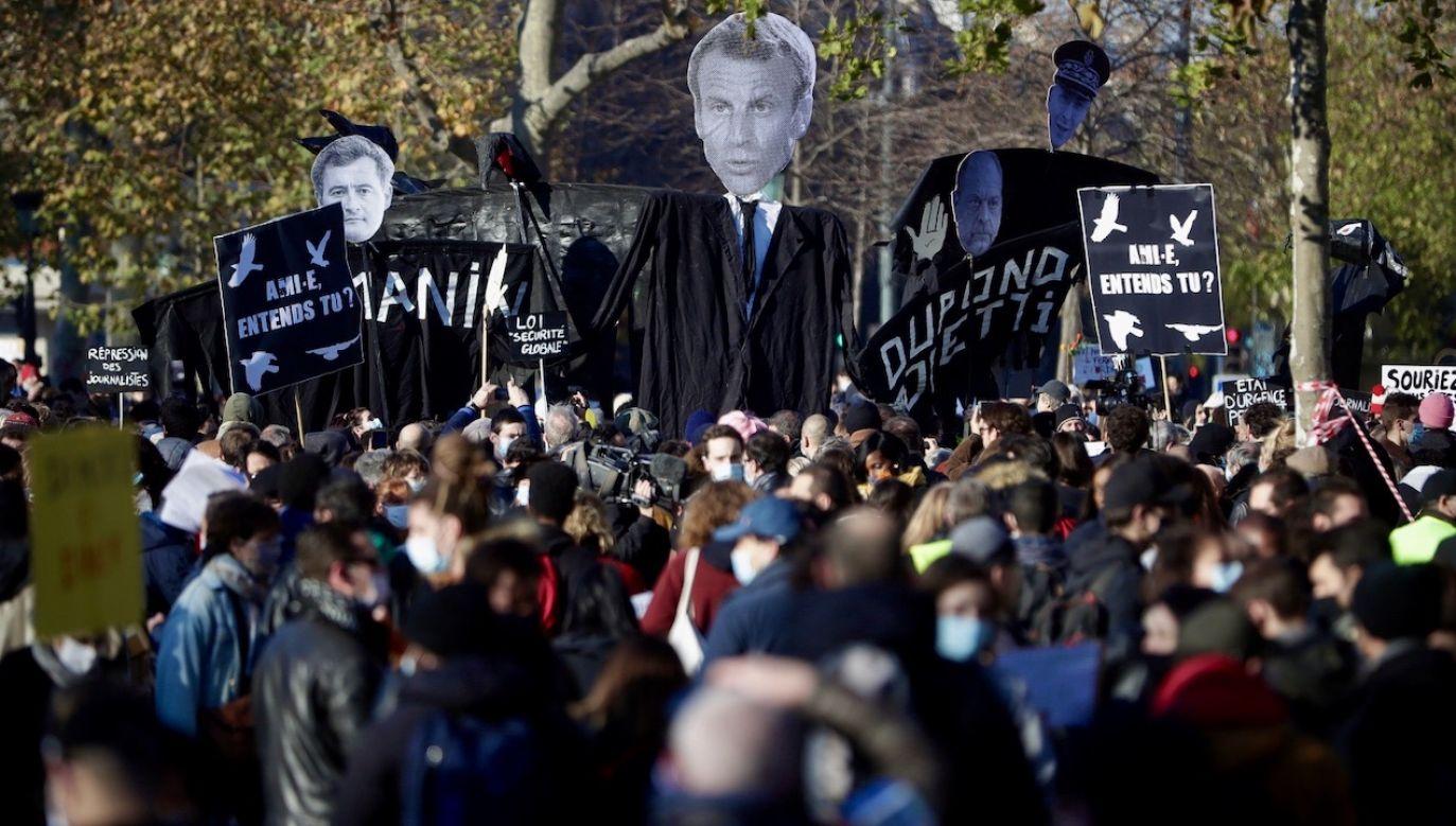 We Francji doszło do zamieszek (fot. PAP/EPA/CHRISTOPHE PETIT TESSON)
