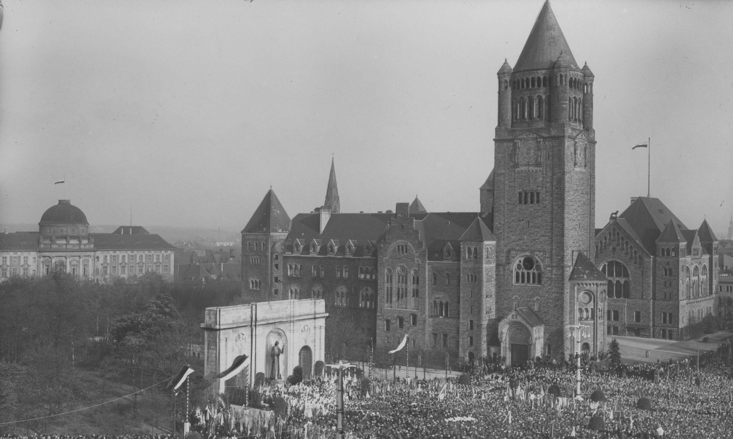 Monument stanął w centrum miasta w 1932 roku. Fot. NAC/IKC