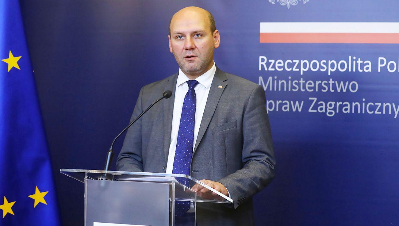 Minister Szynkowski vel Sęk zapewnił, że resort oczekujemy ze spokojem na oficjalną notę strony rosyjskiej (fot. PAP/Rafał Guz)