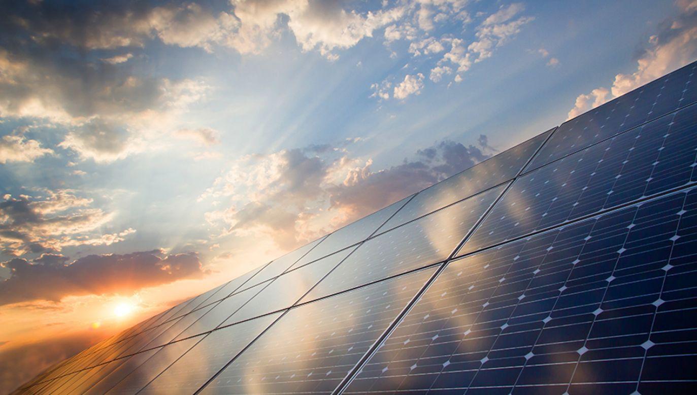 W tym roku po raz pierwszy w naszym kraju energia pochodząca z fotowoltaiki zdołała przekroczyć już magiczny poziom 1 gigawata (fot. shutterstock/foxbat)
