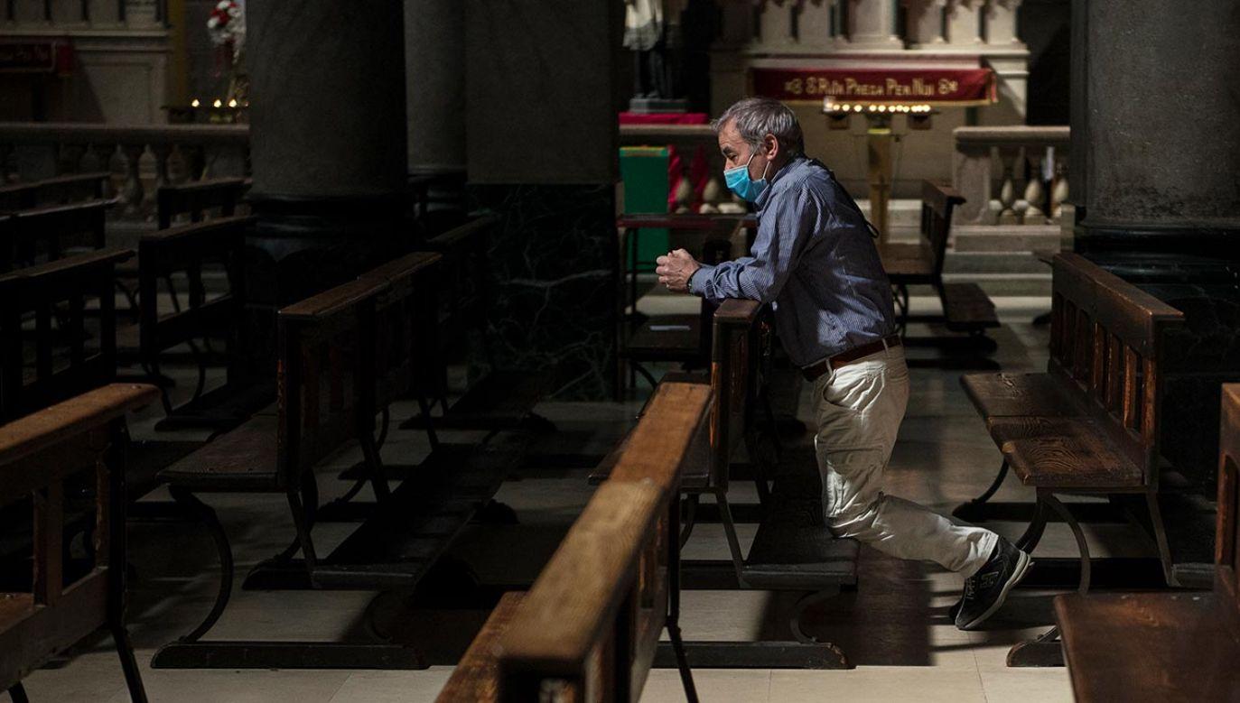 Co zmienia się w tej popularnej modlitwie? (fot. Stefano Guidi/Getty Images, zdjęcie ilustracyjne)