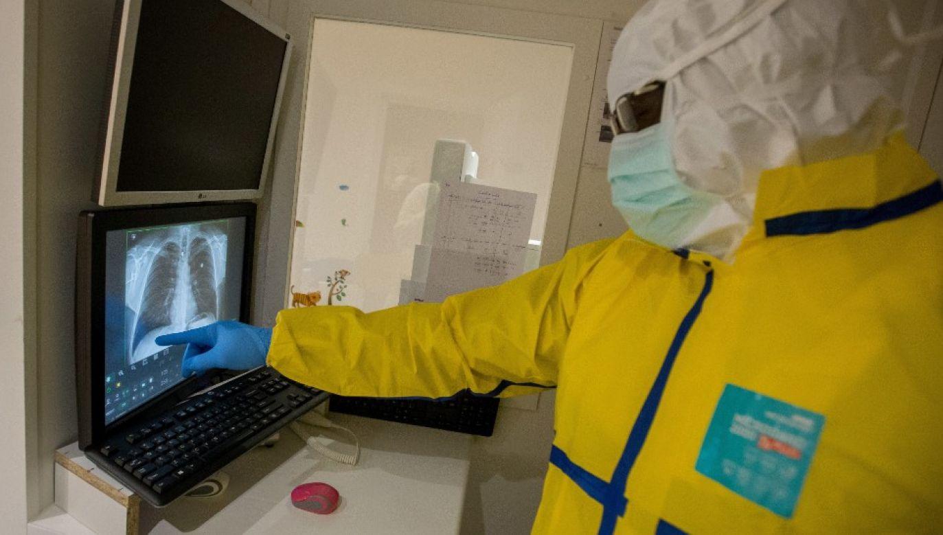 Co czwarta infekcja koronawirusem może przebiegać bezobjawowo (fot. PAP/EPA/STEPHANIE LECOCQ)