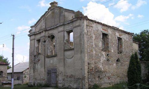 Zrujnowany kościół (2005). Fot. Wikimedia Commons/Petro Vlasenko