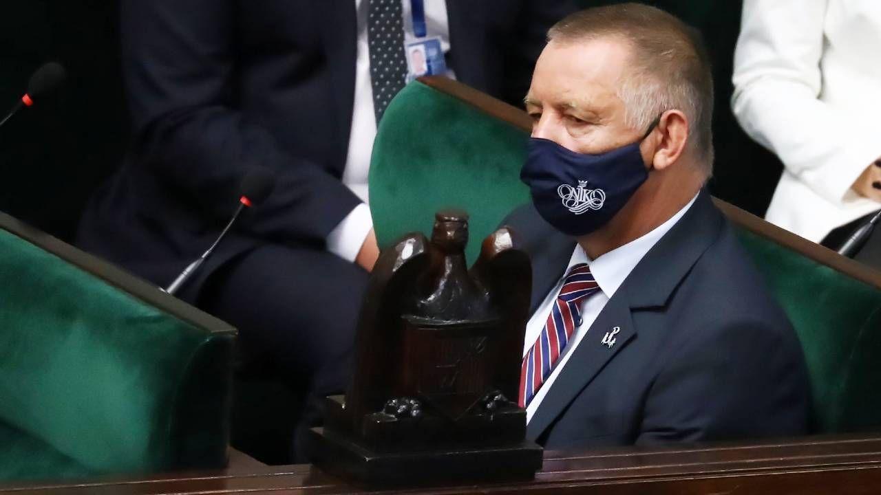 Prezes NIK Marian Banaś nie zamierza rezygnować (fot. PAP/Tomasz Gzell)