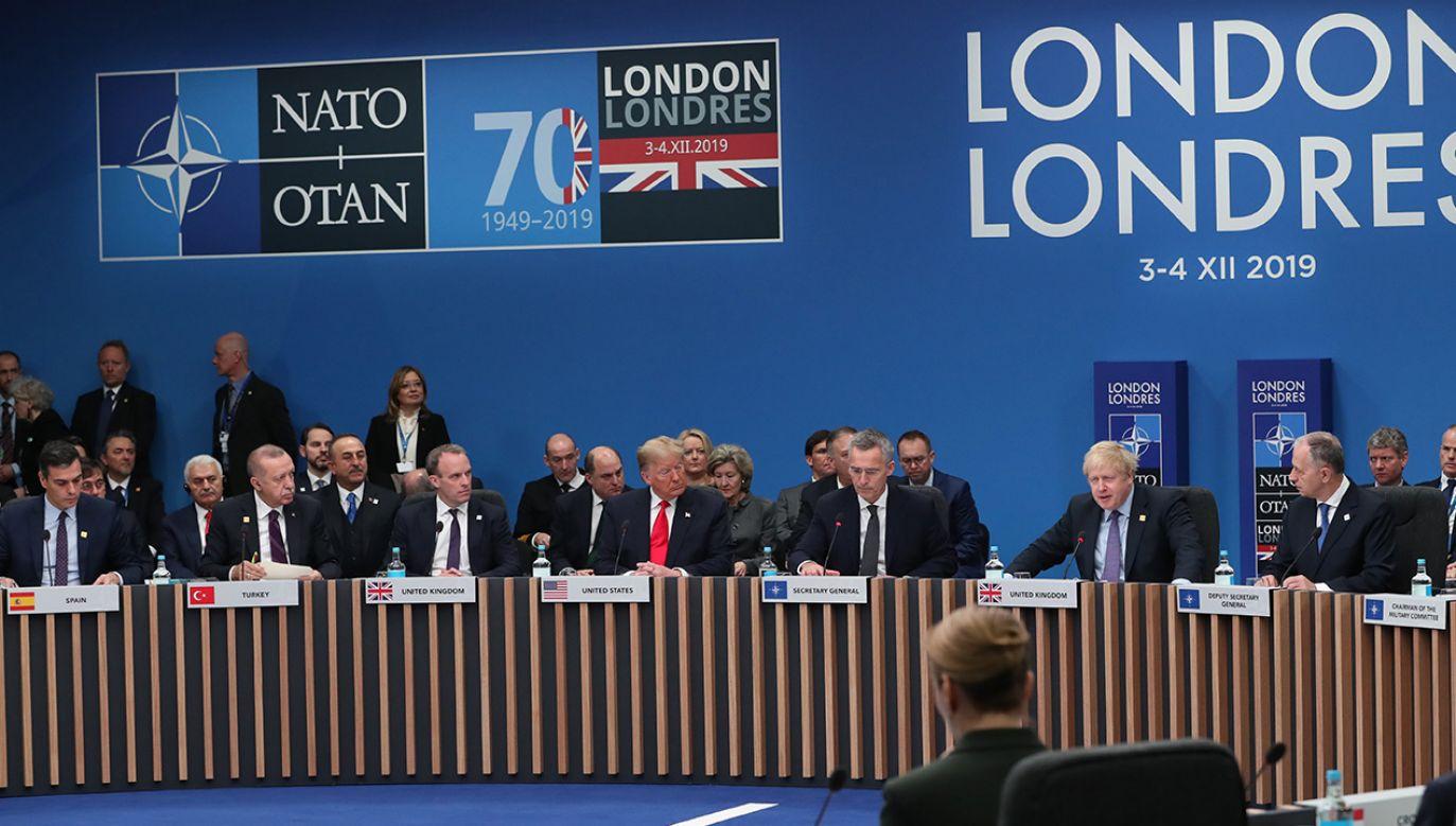 Medialne echa londyńskiego szczytu NATO (fot. Turkish Presidency / Murat Cetinmuhurdar / Handout/Anadolu Agency via Getty Images)