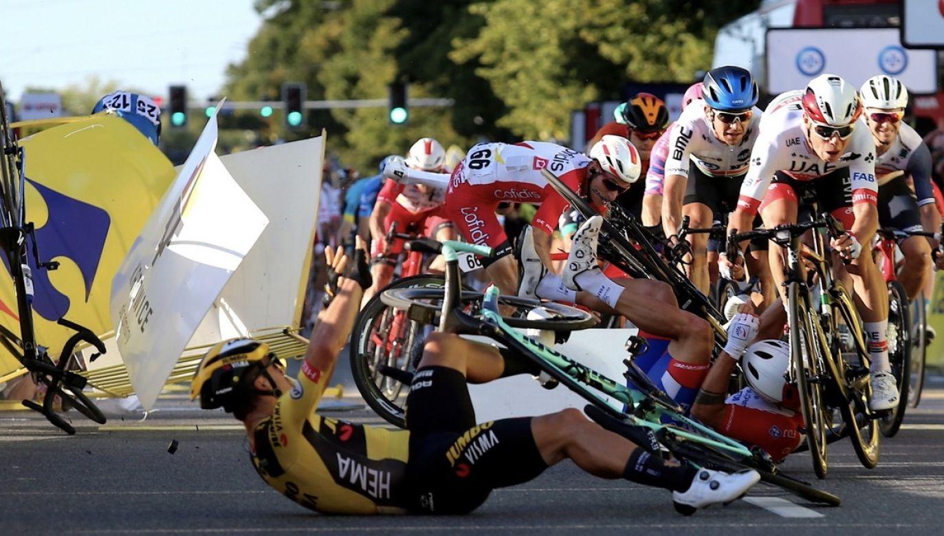 Do wypadku doszło tuż przed metą pierwszego etapu Tour de Pologne (fot. PAP/Andrzej Grygiel)