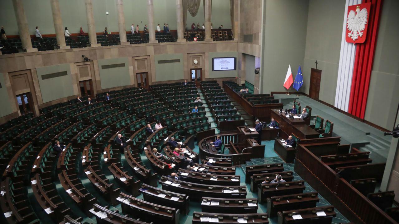 Sala obrad Sejmu (fot. PAP/Wojciech Olkuśnik)