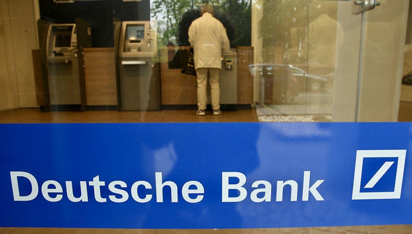 Wcześniej Deutsche Bank wypłacił ponad 16 mln w związku z domniemanym zatrudnianiem krewnych rządowych oficjeli w Azji i Rosji (fot. Sean Gallup/Getty Images)